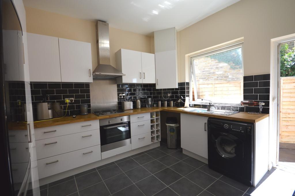 1 Bedroom Flat for sale in Rosenthal Road Catford SE6