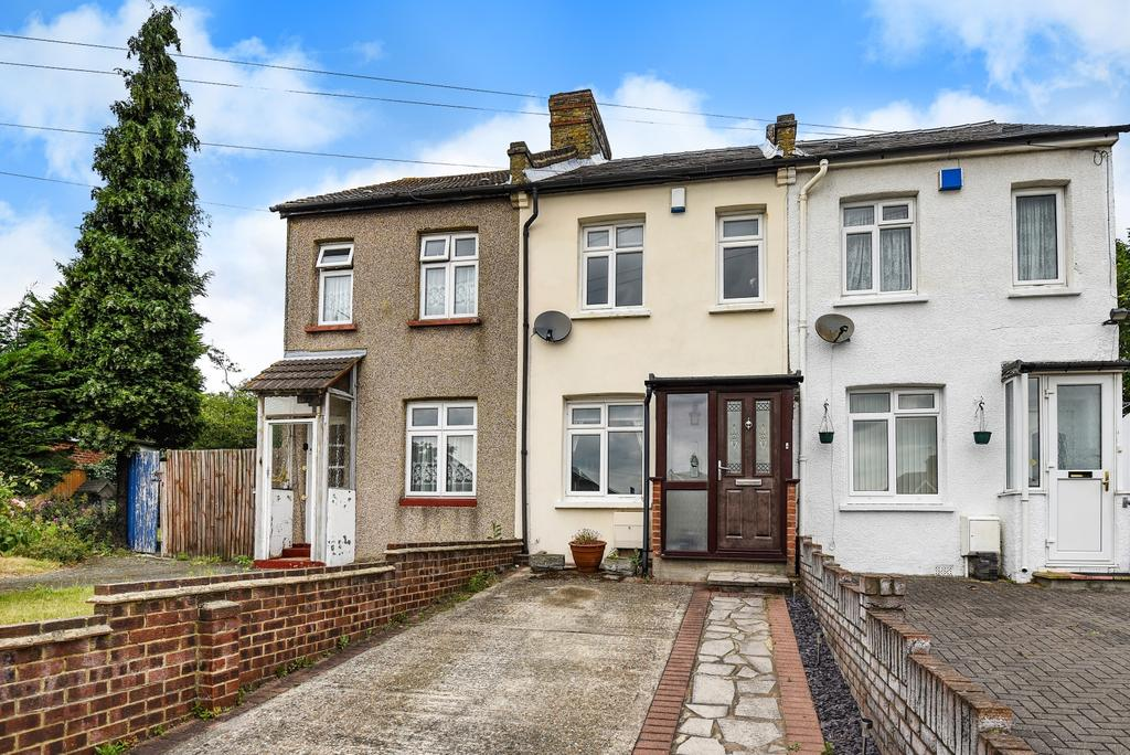 2 Bedrooms Terraced House for sale in King Harolds Way Bexleyheath DA7