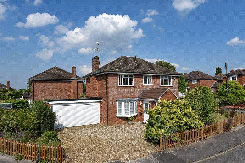 4 Bedrooms Detached House for sale in Red House Close, Newton Longville, Milton Keynes, Buckinghamshire