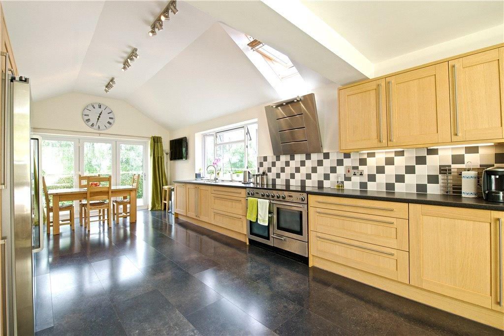 5 Bedrooms Detached House for sale in Stratford Road, Nash, Milton Keynes, Buckinghamshire