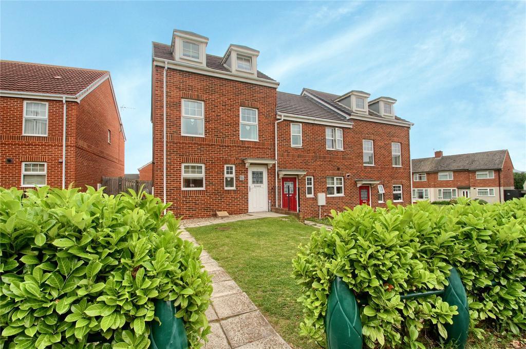 3 Bedrooms End Of Terrace House for sale in Brunel Walk, Hardwick Green