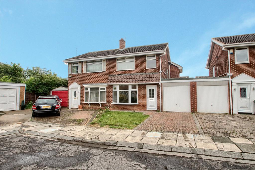 3 Bedrooms Semi Detached House for sale in Helston Court, Thornaby