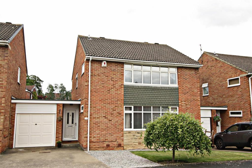 4 Bedrooms Detached House for sale in Farndale Crescent, Darlington