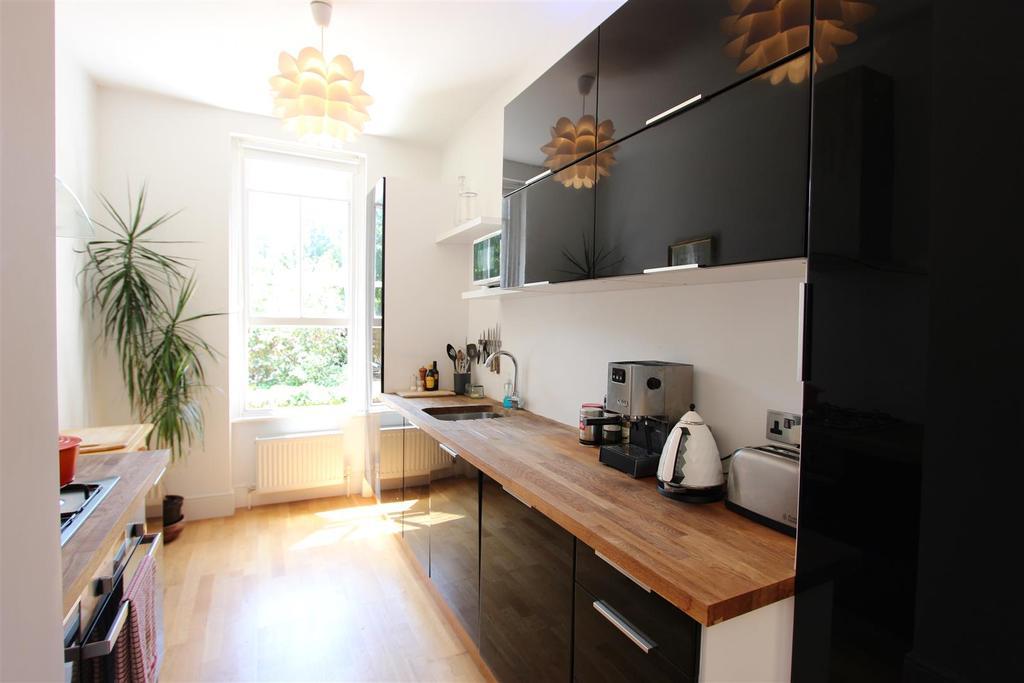 1 Bedroom Flat for sale in Elm Bank Mansions, Barnes