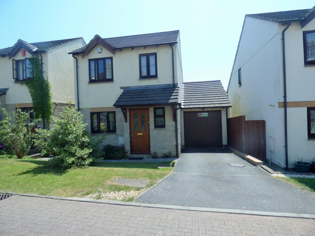 3 Bedrooms Detached House for sale in The Gardens, Chudleigh, TQ13 0GE