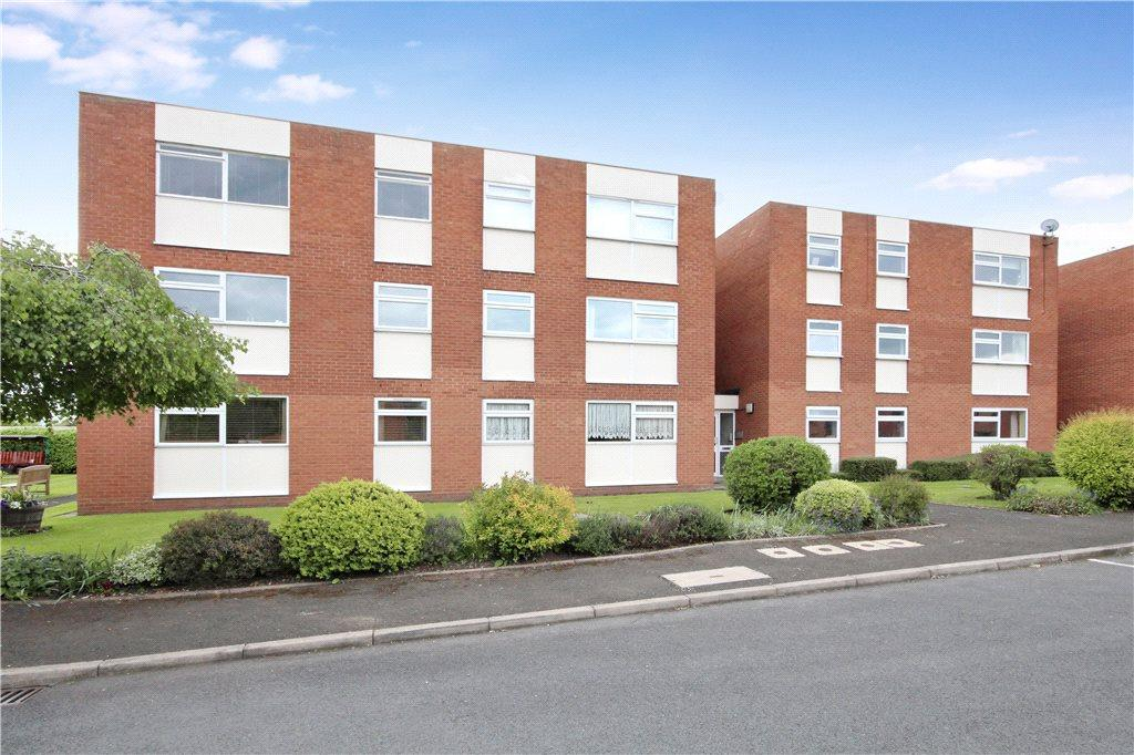 Studio Flat for sale in Clopton Court, Clopton Road, Stratford-upon-Avon, Warwickshire, CV37