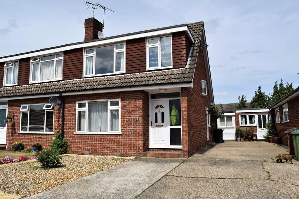 3 Bedrooms Chalet House for sale in Mountbatten Close, Thetford