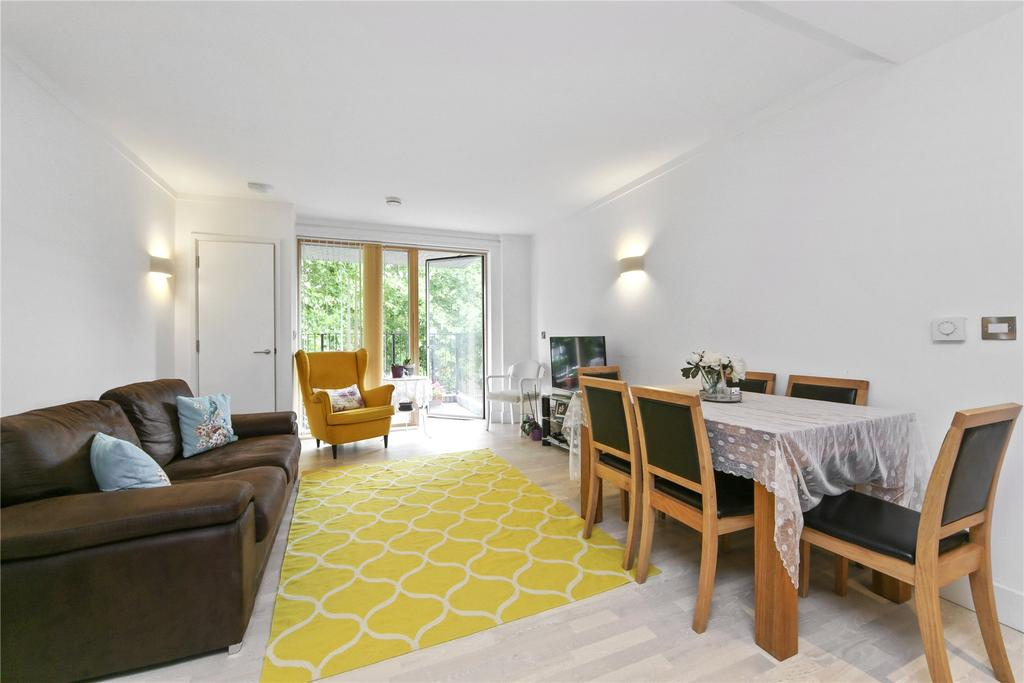 1 Bedroom Flat for sale in Triangle Apartments, Manchester Road, E14