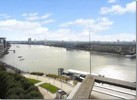 2 Bedrooms Flat for sale in Berkeley Tower, Canary Riverside, 48 Westferry Circus, London, E14