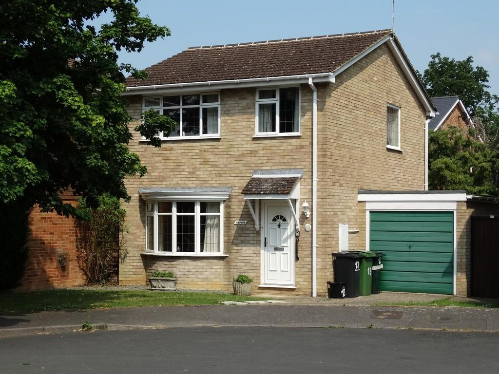 3 Bedrooms Detached House for sale in Crowther Close, Staplehurst
