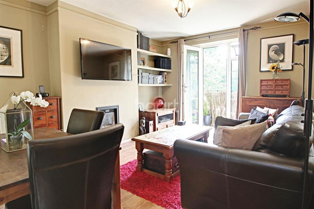 1 Bedroom Flat for sale in Atherfield Court, Borrodale Road, Earlsfield, SW18
