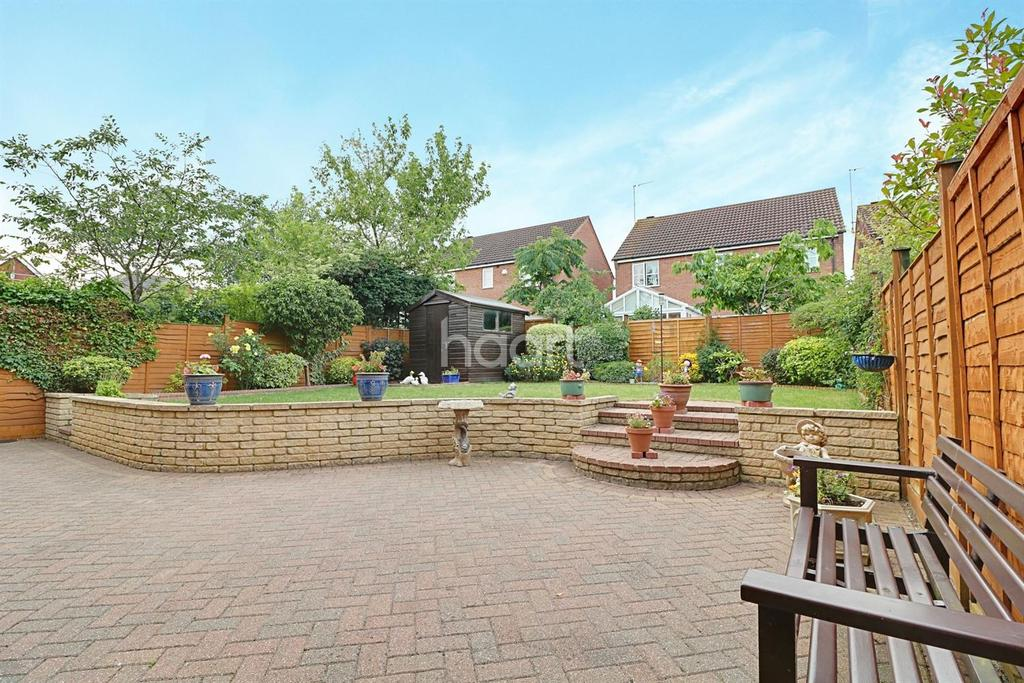 4 Bedrooms Detached House for sale in Militia Close, Wootton, Northampton