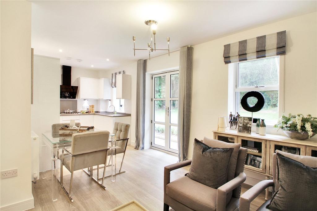 2 Bedrooms Flat for sale in 3 St Catherine's Court, Sevenoaks, Kent, TN13