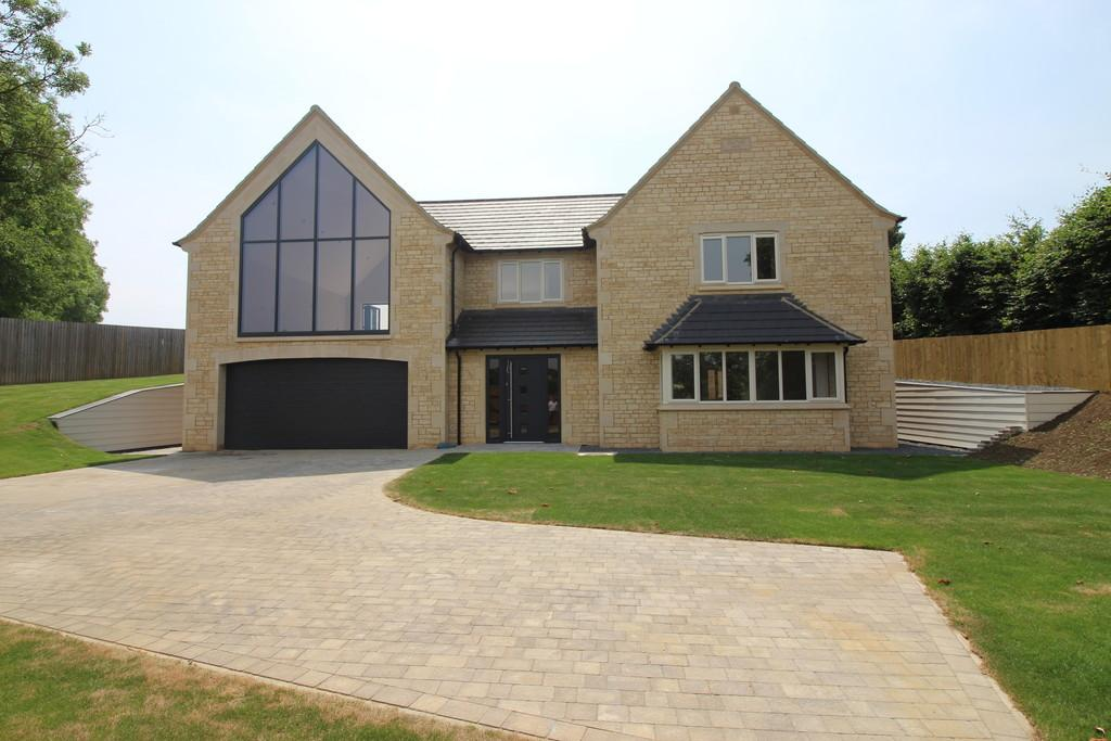4 Bedrooms Detached House for sale in Bridge End Road, Grantham