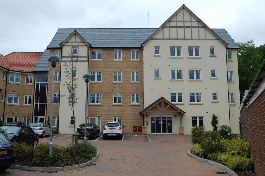 1 Bedroom Retirement Property for sale in Cross Penny Court, Cotton Lane, Bury St Edmunds, Suffolk, IP33