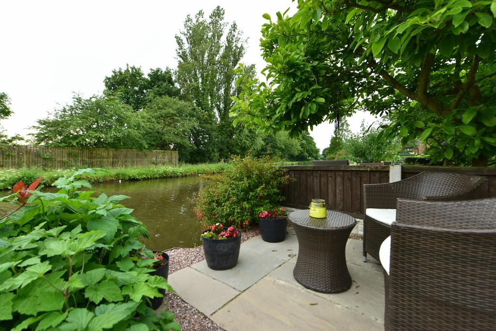 3 Bedrooms Semi Detached House for sale in Southport Road, Lydiate