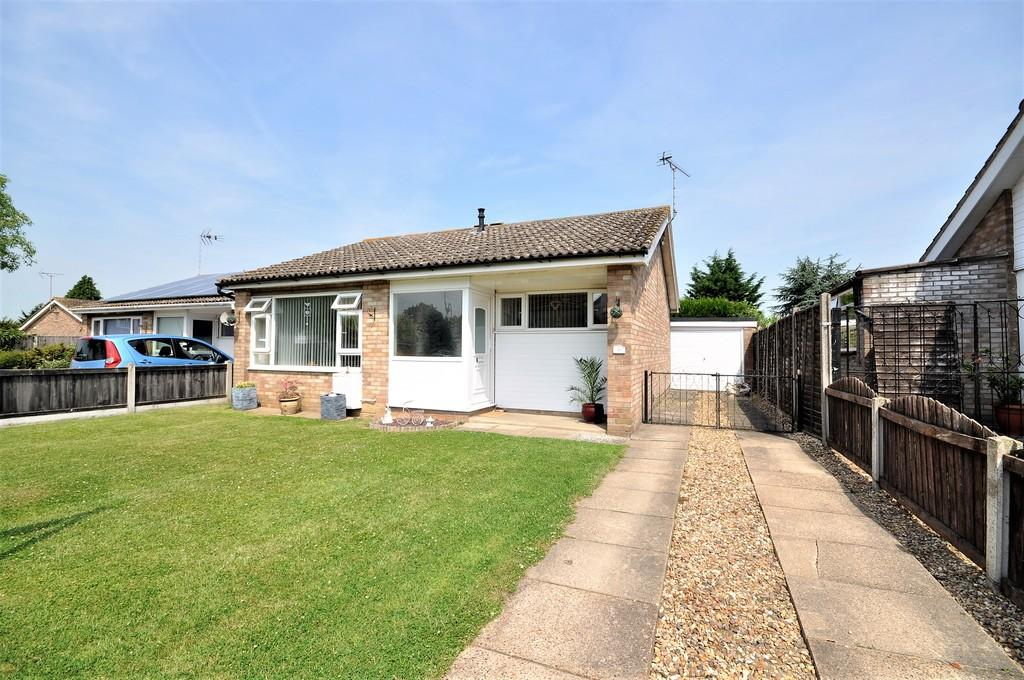 2 Bedrooms Detached Bungalow for sale in Godmans Lane, Marks Tey, West Colchester