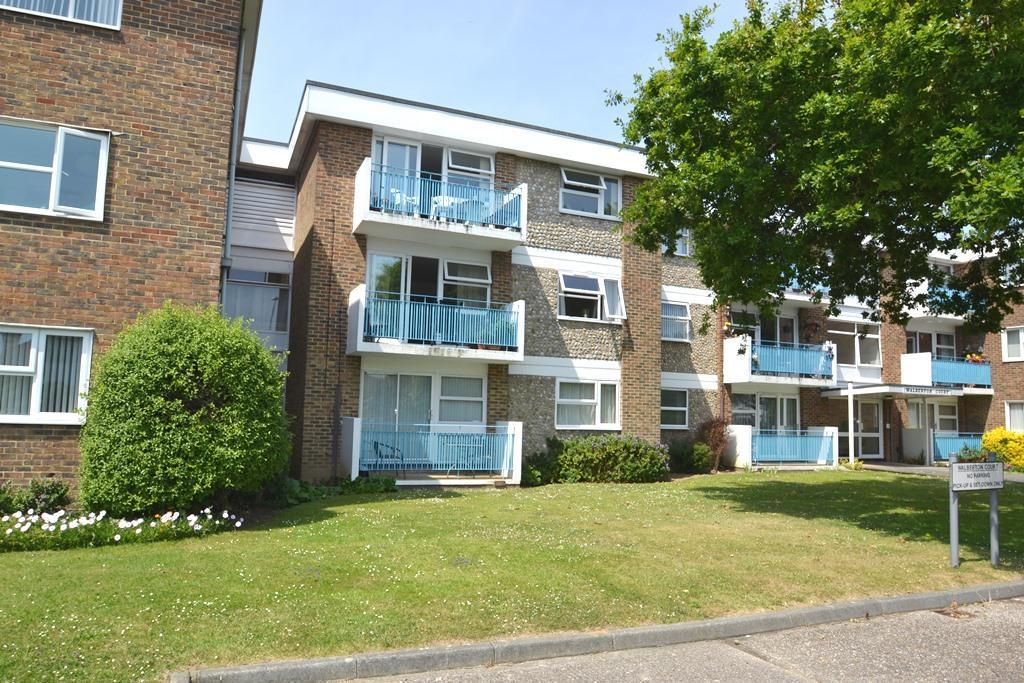 2 Bedrooms Flat for sale in Latimer Road, Worthing, West Sussex, BN11 5ER