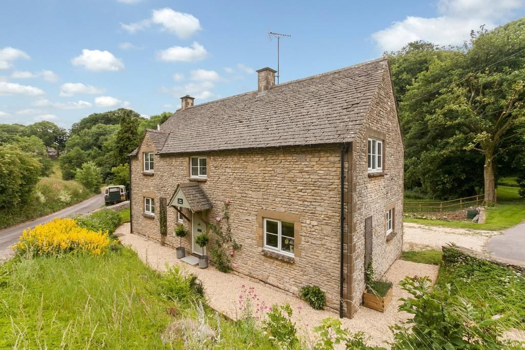 4 Bedrooms Detached House for sale in Lower North Wraxall, Chippenham