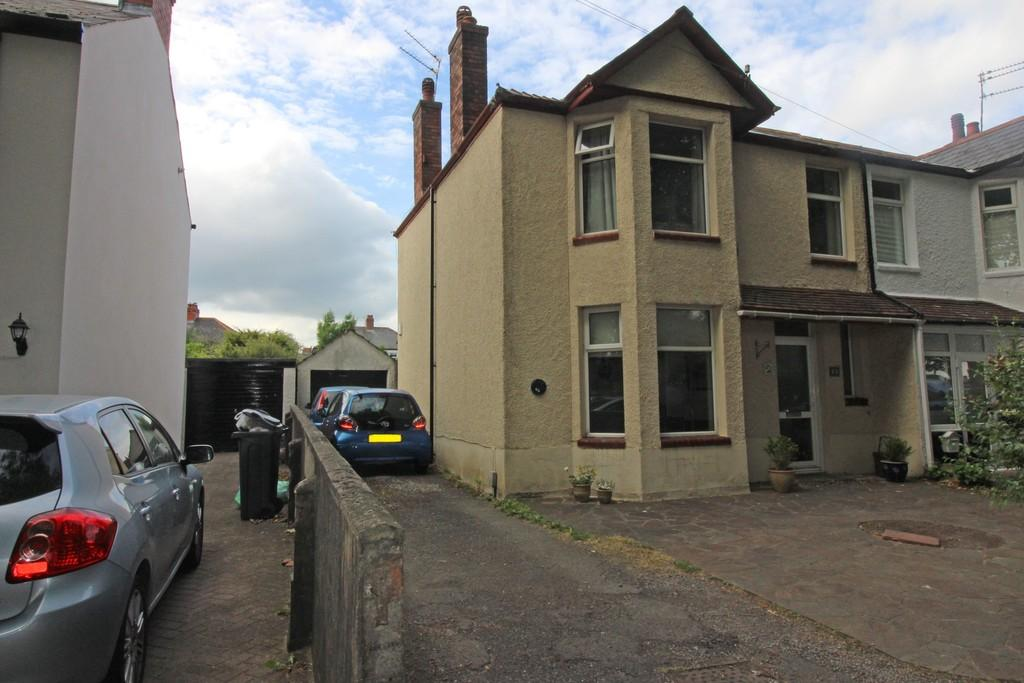 3 Bedrooms Semi Detached House for sale in Heathwood Road, Heath