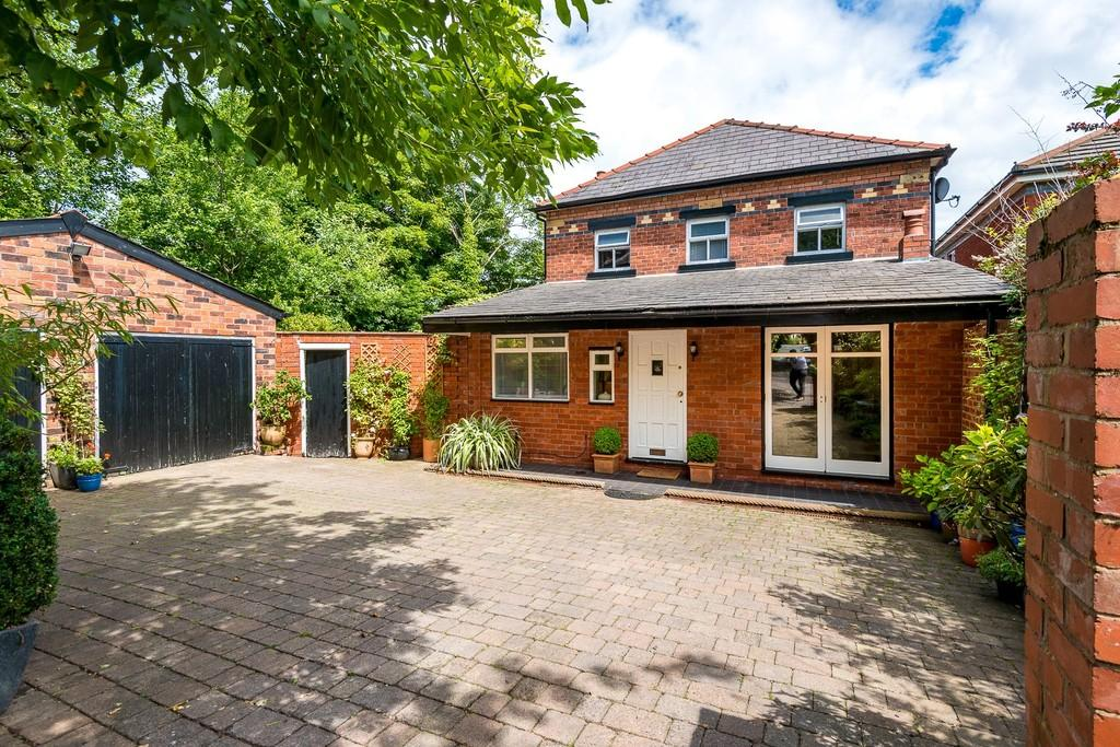 3 Bedrooms Detached House for sale in West Park Road, West Park, St. Helens