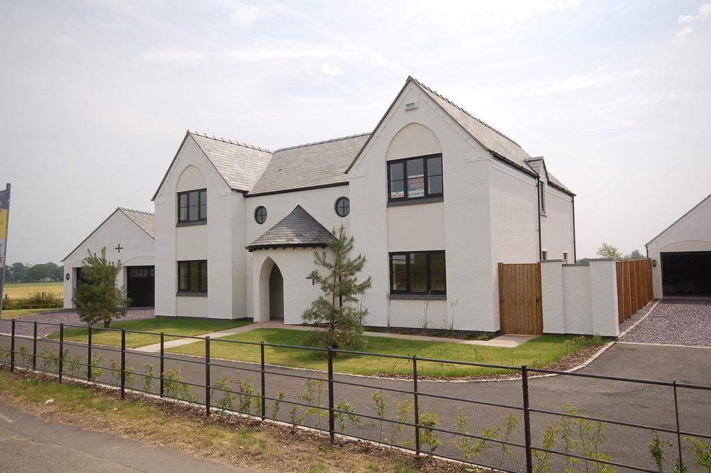 5 Bedrooms Detached House for sale in Marford Hill, Marford