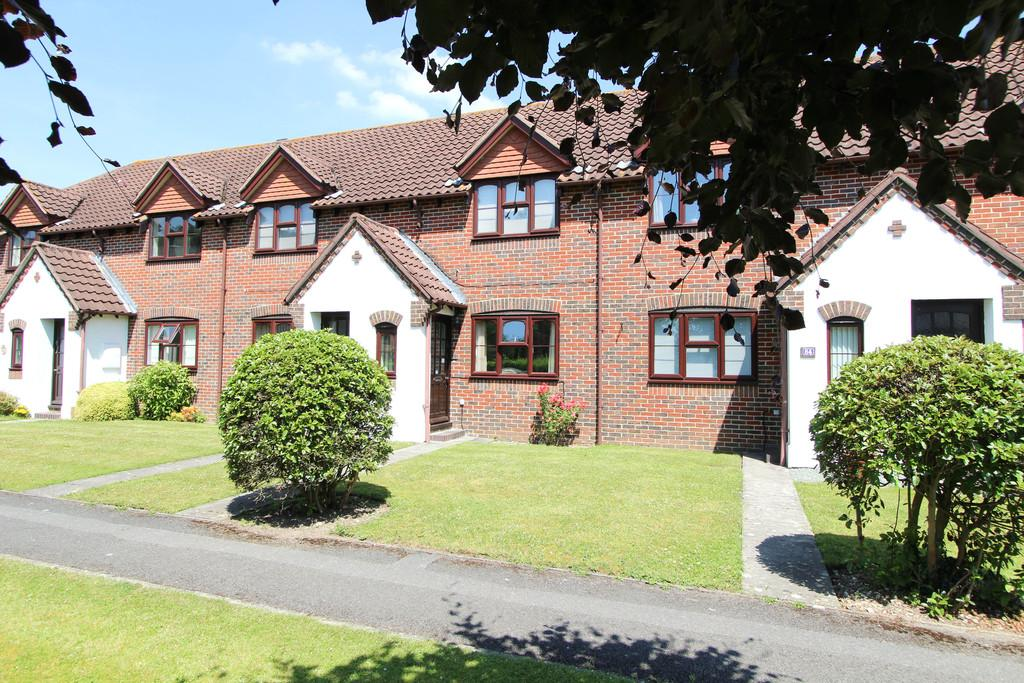 2 Bedrooms Ground Flat for sale in Grenehurst Way, Petersfield