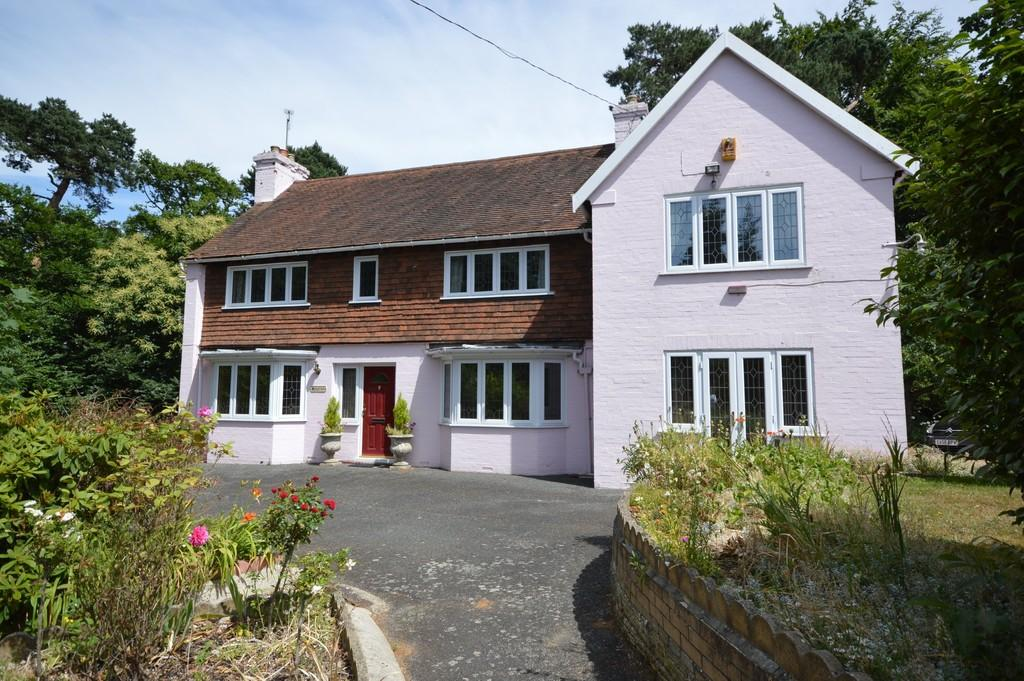 5 Bedrooms Detached House for sale in Parsons Hill, Lexden