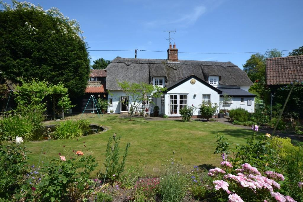 3 Bedrooms Cottage House for sale in Wicken Road, Arkesden