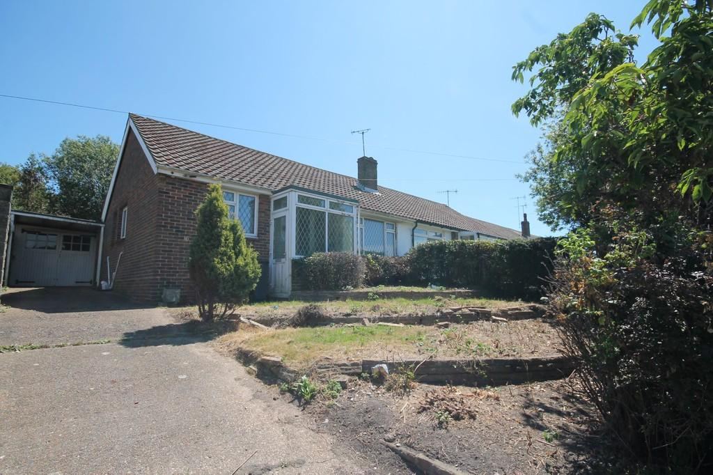 2 Bedrooms Semi Detached Bungalow for sale in Western Road North, Lancing, BN15