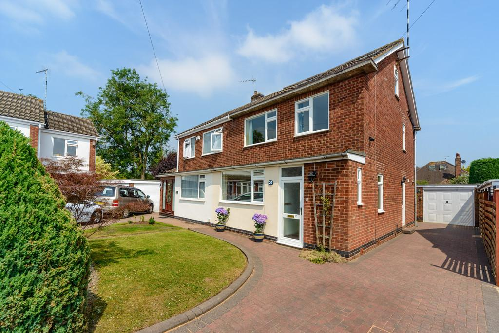 4 Bedrooms Semi Detached House for sale in Grange Avenue, Kenilworth