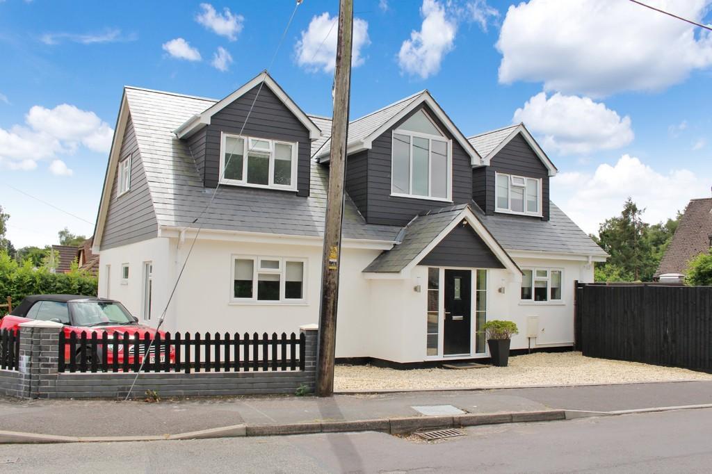 5 Bedrooms Detached House for sale in Nash Road, Dibden Purlieu