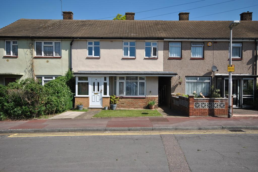3 Bedrooms Terraced House for sale in Woodshire Road, Dagenham