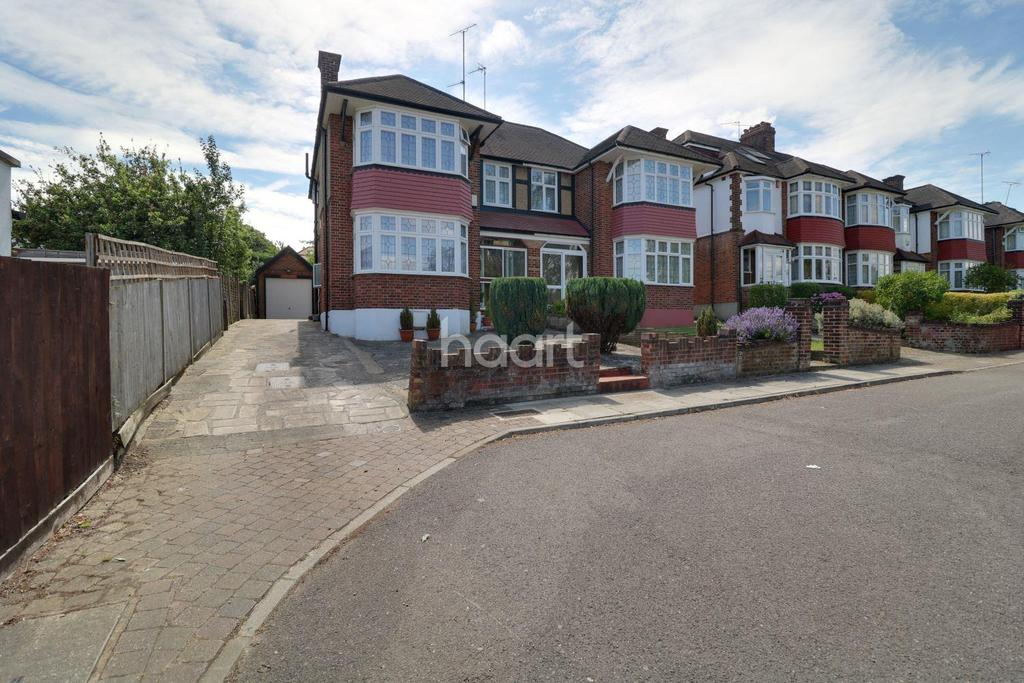 3 Bedrooms Semi Detached House for sale in South Lodge Drive, Oakwood, N14