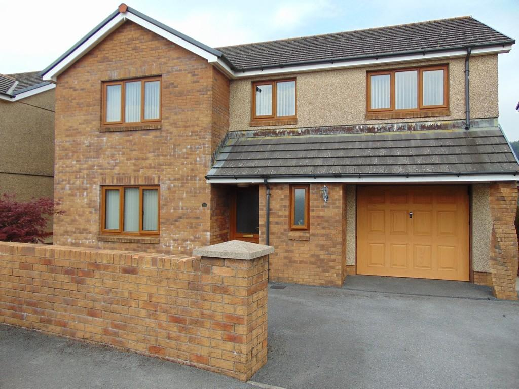 4 Bedrooms Detached House for sale in Waungoch, Upper Tumble