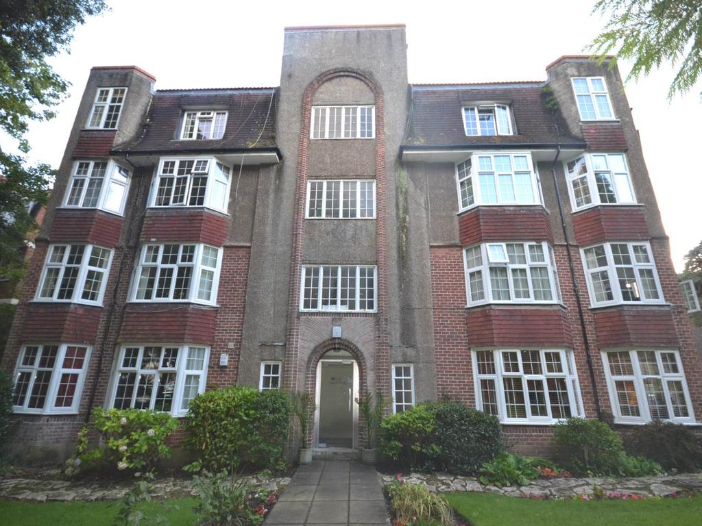 3 Bedrooms Flat for rent in Pine Mansions, Vale Road, Bournemouth
