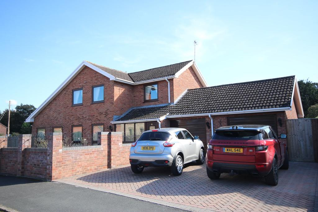 4 Bedrooms Detached House for sale in The Craft, Sutton St Nicholas, Hereford, HR1
