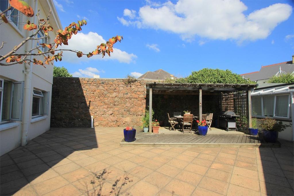 1 Bedroom Cottage House for sale in Roseville Street, St Helier, Jersey, JE2