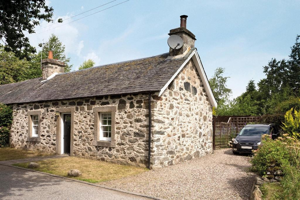 2 Bedrooms Semi Detached House for sale in Ninewells Cottage, Snaigow , Perthshire , PH8 0RD