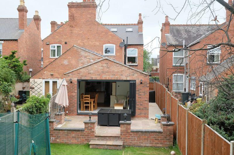 3 Bedrooms Semi Detached House for sale in Mitton Gardens, Stourport-On-Severn DY13 9AE