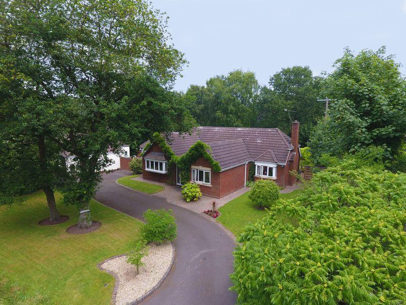 5 Bedrooms Detached Bungalow for sale in Fairhaven, Bourne Vale, Aldridge, Walsall.