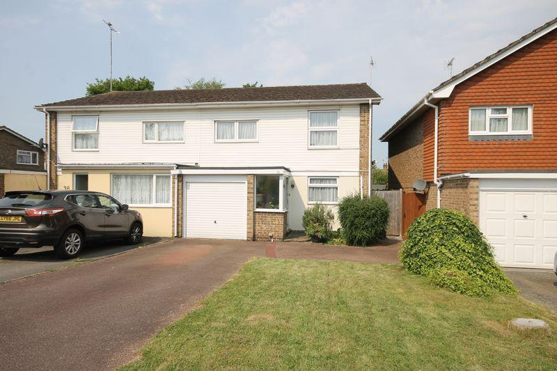 4 Bedrooms Semi Detached House for sale in Valebridge Drive, Burgess Hill, West Sussex