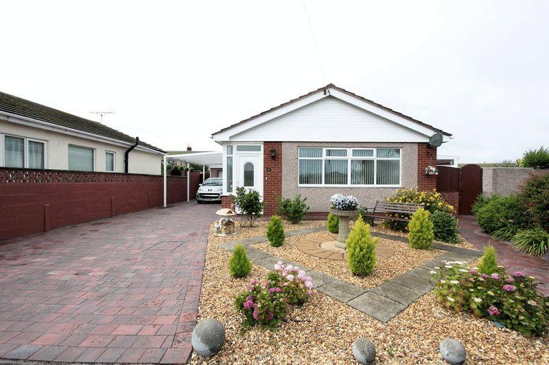 3 Bedrooms Detached Bungalow for sale in Llys Cynan, Rhyl