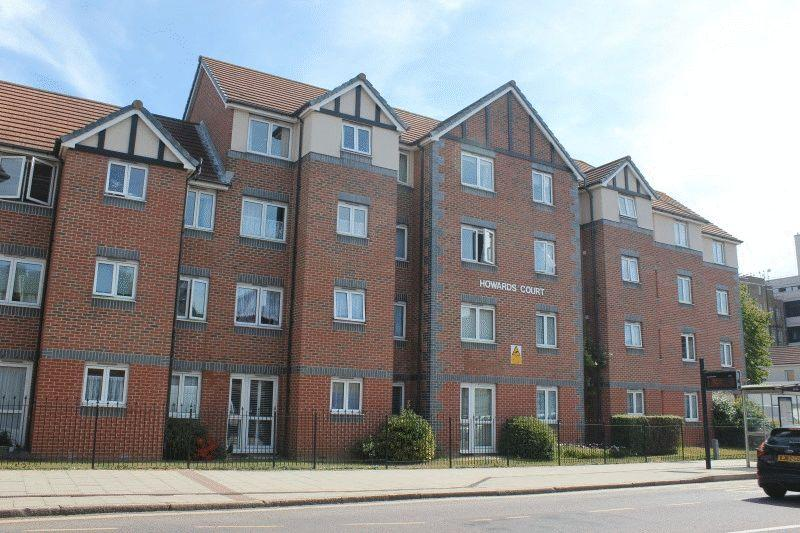 2 Bedrooms Ground Flat for sale in Balmoral Road, Westcliff-on-Sea