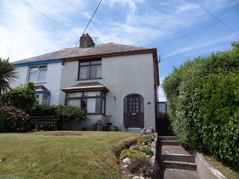 3 Bedrooms Semi Detached House for sale in Lynstone Road, Bude