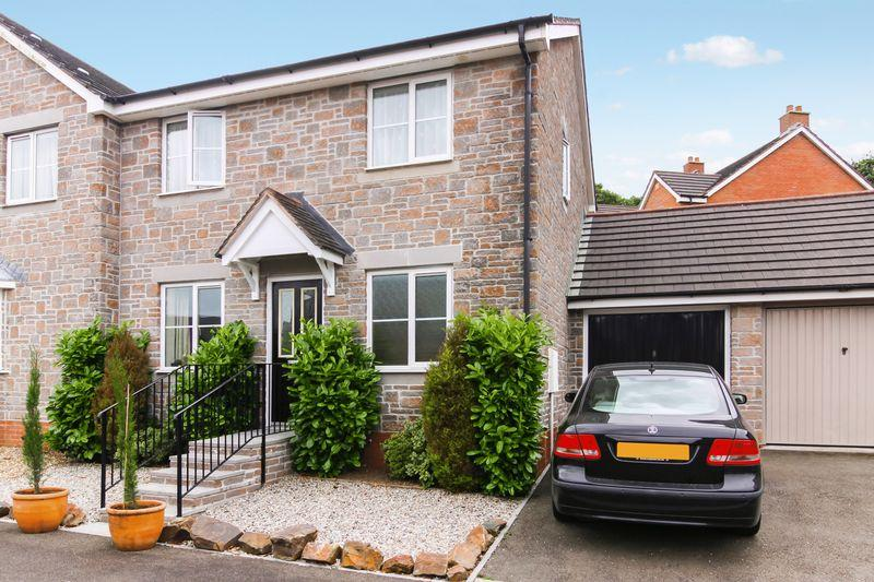 3 Bedrooms Semi Detached House for sale in De Brionne Heights, Okehampton