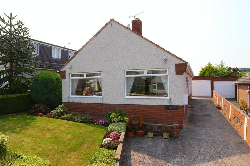 3 Bedrooms Detached Bungalow for sale in Tudor Close, Northop Hall, Mold