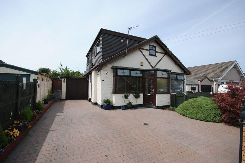2 Bedrooms Bungalow for sale in Cartmel Drive, Moreton