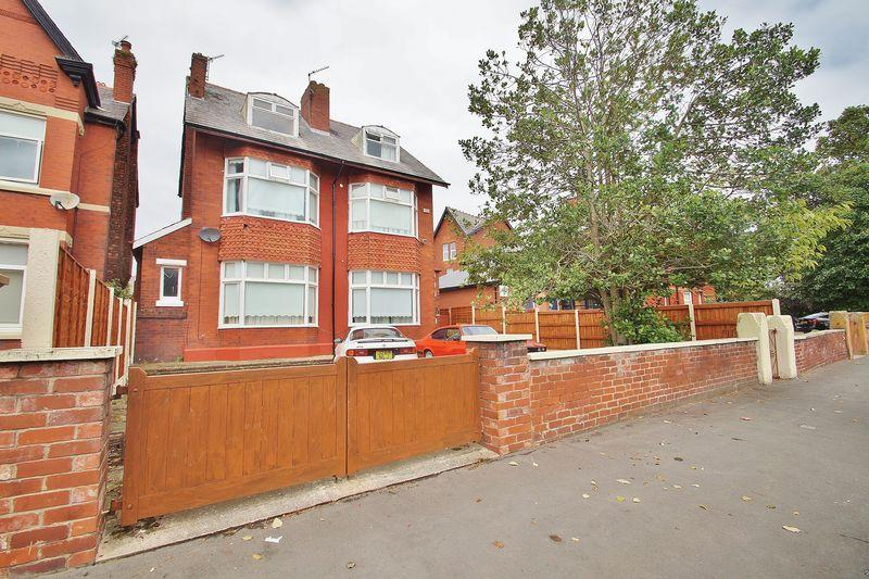 6 Bedrooms Detached House for sale in Cumberland Road, Southport