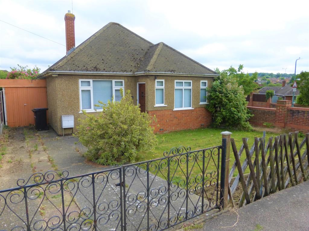 2 Bedrooms Detached Bungalow for sale in Yeoman Way, Bearsted